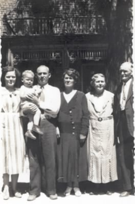Jasper w-wife,child,mother,grandparents.jpg