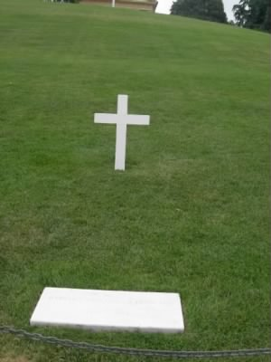 arlington-national-park-robert-kennedy-grave2.jpg - Fold3.com