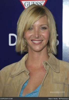 lisa-kudrow-wonderland-movie-premiere-oPPD4Q.jpg