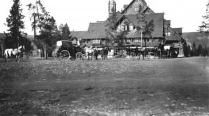 The Old Faithful Inn in 1909