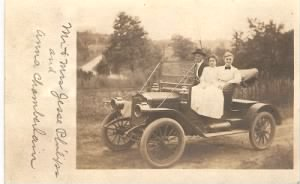 Anna Chamberlain & Mr & Mrs Jesse Philips in Car.jpg