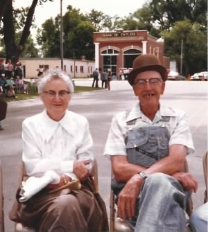 Howard and Amy Helmkamp