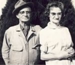 Lon L. and Cary Poer Chamberlain2.jpg