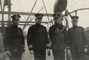 R Adm Strauss & Crew on Blackhawk WWI North Sea.jpg