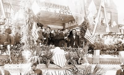 800px-Booker_Washington_and_Theodore_Roosevelt_at_Tuskegie_Institute.jpg - Fold3.com