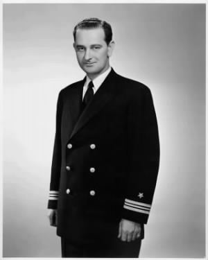 640px-Portrait_of_Lyndon_B._Johnson_in_Navy_Uniform_-_42-3-7_-_03-1942.jpg
