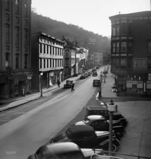 Mauch Chunk August 1940 SHORPY_8c28758u.jpg