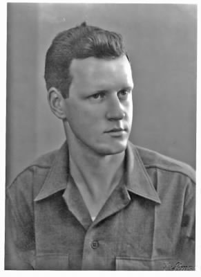 Paul Bills 1940s Portrait.jpg