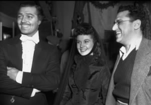 Clark-Gable-Vivien-Leigh-and-producer-David-Selznick-on-the-set-of-Gone-With-The-Wind-1939.jpg