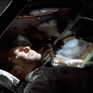 640px-Walter_Schirra_on_Apollo_7.jpg