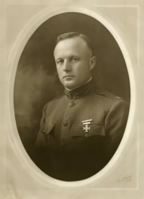Colonel Everett Barlow-MMBVD's 3rd oldest sibling.JPG