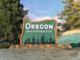 oregon-welcome-signs.jpg